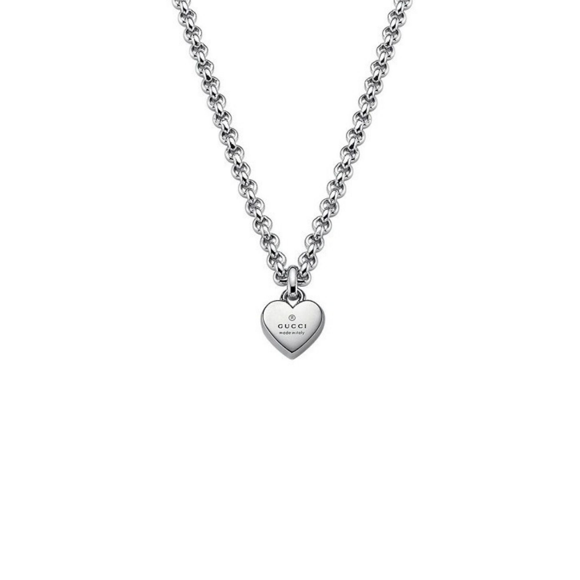 Collana Gucci con ciondolo cuore Trademark necklace heart silver sconto discount