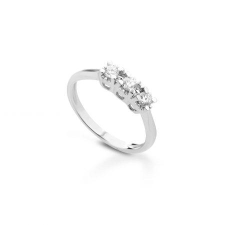Anello trilogy con diamanti Trilogy ring with diamonds sconto discount